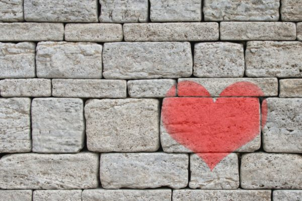 stones_wall_heart_grey_background_painted_love_declaration_of_love-1084923.jpg!d